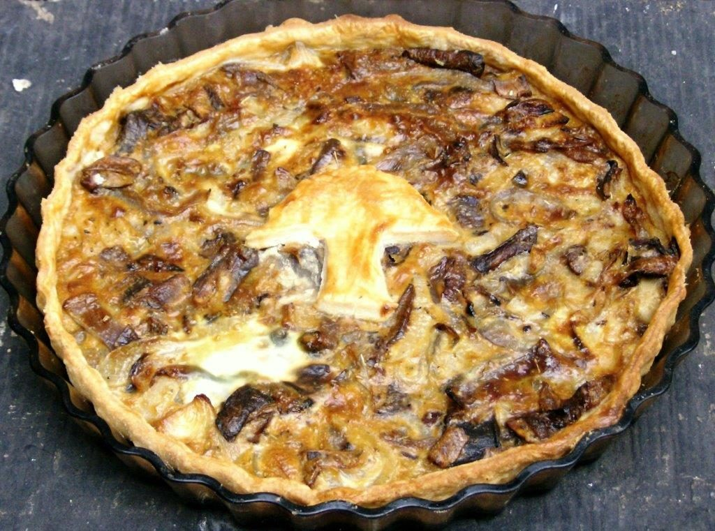 forest-foragers_tart-with-onions-and-ceps